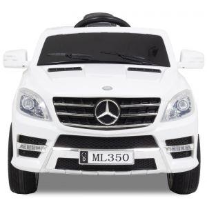 Mercedes ML350 wit vooraanzicht voorbanden logo zijspiegels